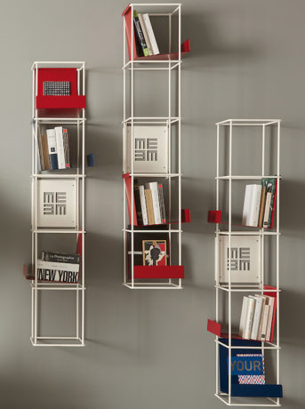 Red passion: bookcase Libro Verticale by Memedesign
